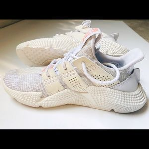 NWT Adidas Originals Women 6M PROPHERE trainers.